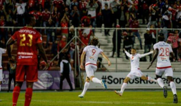 América de Cali celebrando su triunfo a domicilio ante Rionegro Águilas