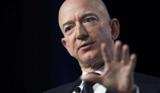 El hombre más rico del mundo se encuentra atravesando una grave controversia por material íntimo que fue filtrado.