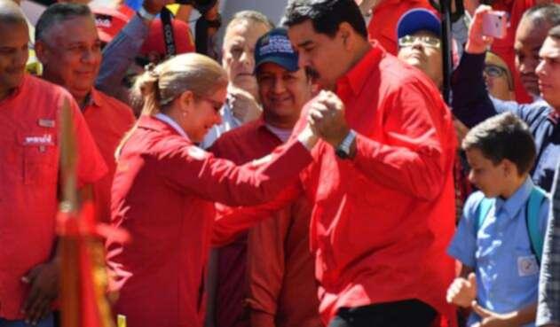 Cilia Flores y su esposo Nicolás Maduro bailando en Caracas, al tiempo que se vivía la crisis en la frontera, el 23 de febrero de 2019