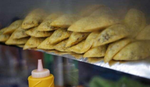 A la luz del Código de Policía, ¿no es permitido el consumo de alimentos en el transporte público?