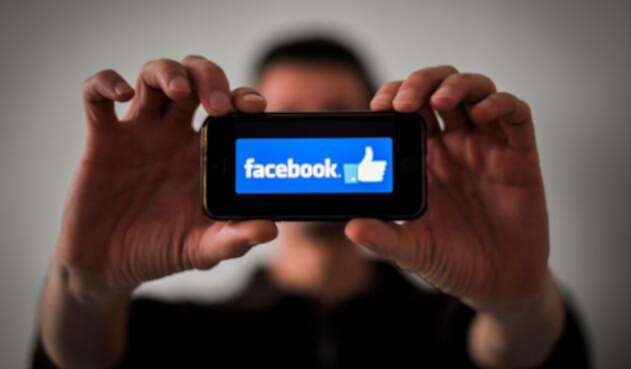 Facebook en un dispositivo móvil