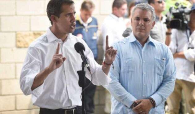 Juan Guaidó junto a Iván Duque
