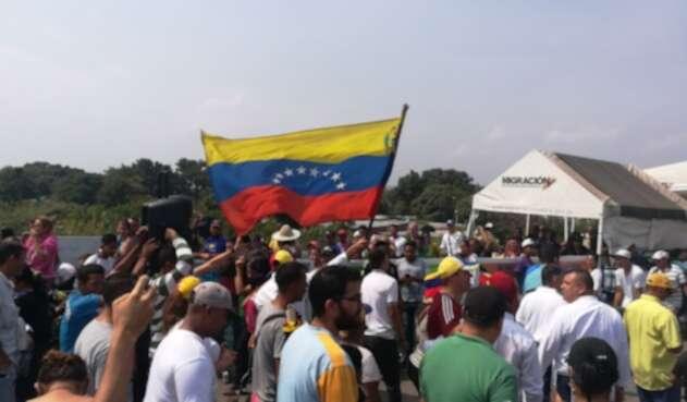 Venezolanos en Cúcuta piden la salida de Nicolás Maduro del poder