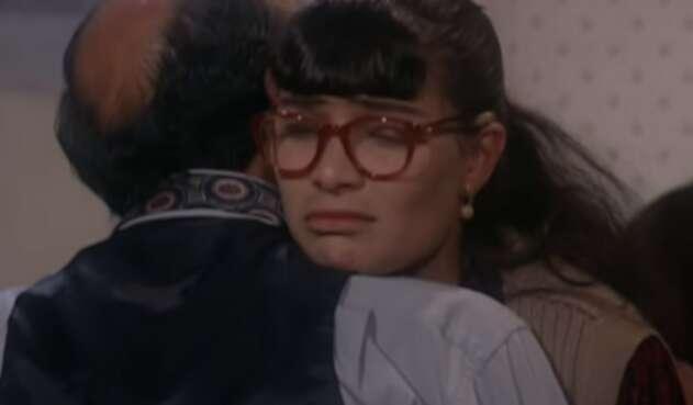 En el capítulo anterior, Román y su grupo dejaron plantada a Betty.