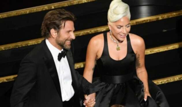Los rumores de un posible romance han comenzado a tomar fuerza en los medios y los fans de ambos artistas.