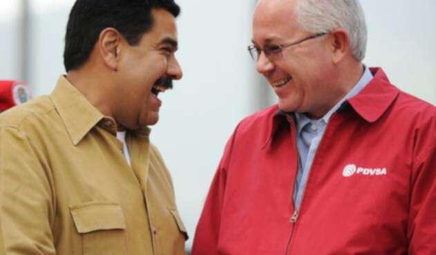 Nicolás Maduro y Rafael Ramírez, el 5 de agosto de 2013 en Caracas