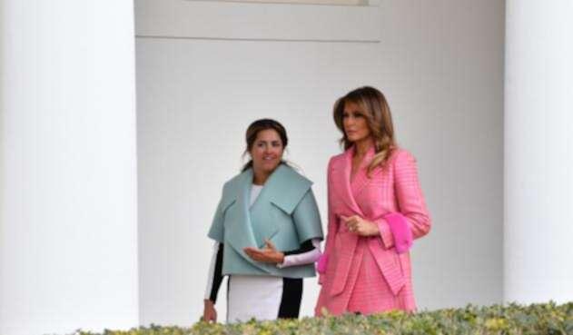 María Juliana Ruiz y Melania Trump dialogando en la Casa Blanca, en Washington (Estados Unidos)
