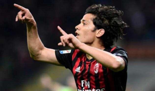 El chileno Matías Fernández en su paso por el Milán de Italia