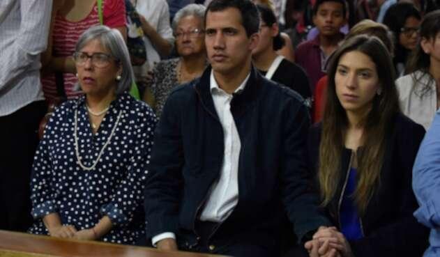 Norka Márquez, Juan Guaidó y Fabiana Rosales en Caracas (Venezuela)