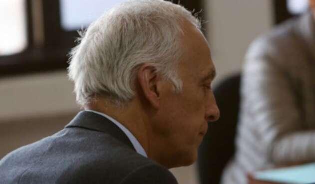 """El juez 11 de conocimiento emitió sentido de fallo condenatorio contra el exmandatario por ser la cabeza de una """"red criminal""""."""