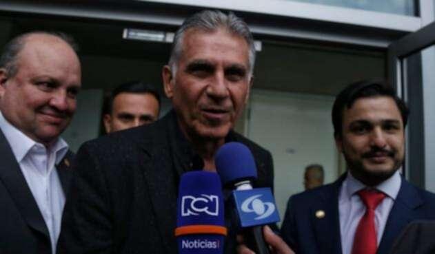 Carlos Queiroz en su llegada a Colombia antes de ser anunciado como técnico de la Selección.