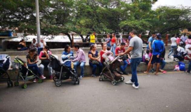 Habitantes de Cúcuta se reúnen en la zona donde será Concierto Venezuela Aid Live