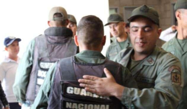 Militares de la GNB llegan a Colombia en busca de refugio