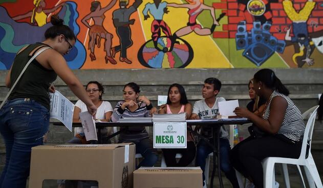 Este domingo, Colombia volverá a unas elecciones para escoger las autoridades locales y regionales.