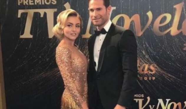 Actriz Angelique Boyer Usó Vestido Al Revés En Premios