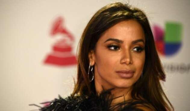 La cantante mostró en redes sociales el sensual movimiento que genera el nuevo tema del colombiano en colaboración con Sean Paul.