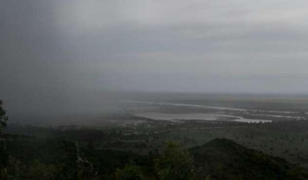Una cortina de lluvia, atribuida al inicio del ciclón tropical Idai.