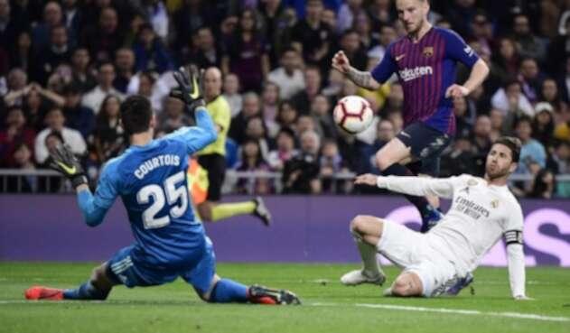 Barcelona derrotó 1-0 al Real en su casa.