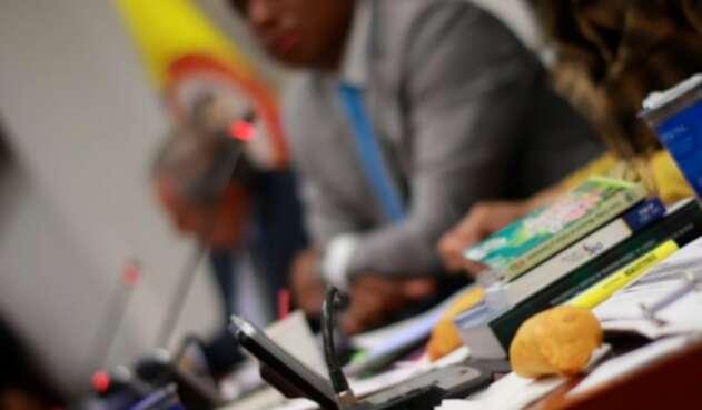 La Comisión Primera de la Cámara debatió sobre el alcance del Código Nacional de Policía y las sanciones tales como los comparendos por comprar alimentos en la calle
