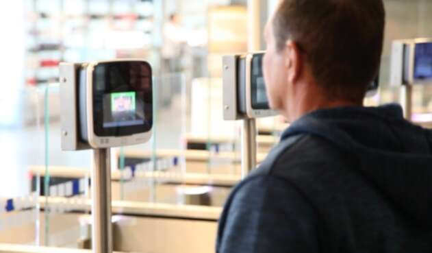 Advierten un posible negocio con el sistema biométrico incluido en el Plan Nacional de Desarrollo.