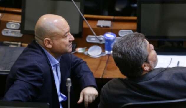 El senador Carlos Lozada en el Congreso