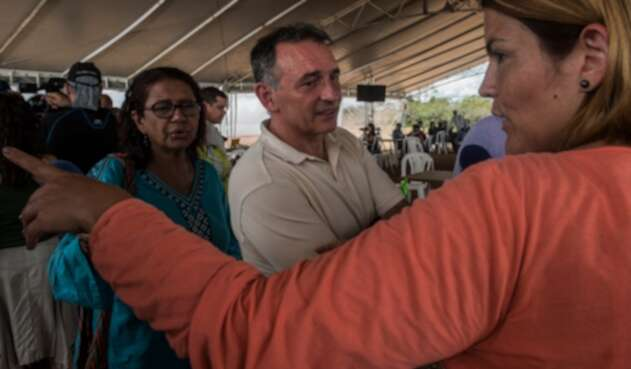 Enrique Santiago, asesor jurídico de las Farc, en Llanos del Yarí (Caquetá)