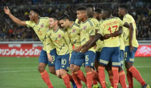 Colombia celebra gol ante Japón