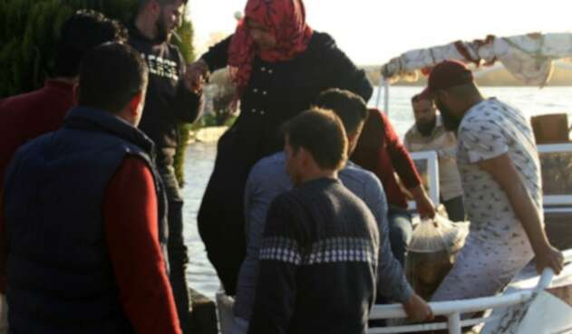 Naufragio de un ferry en el río Tigris en Mosul, ciudad del norte de Irak.