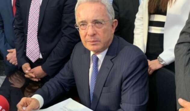 Expresidente Álvaro Uribe Vélez