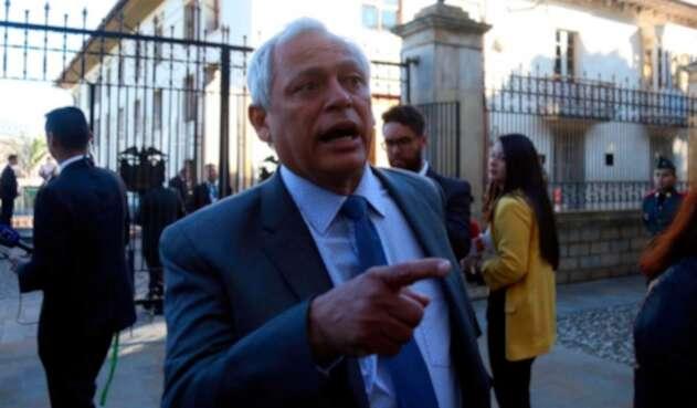 Hernan Andrade abandona su cargo a la presidencia del partido Conservador