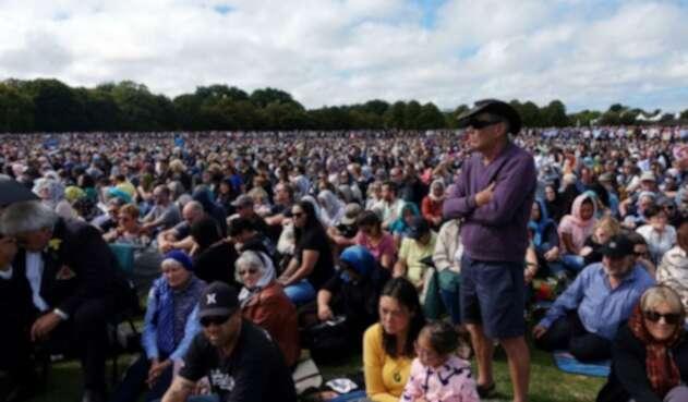 Masacre De Nueva Zelanda Twitter: En Nueva Zelanda Hacen Homenaje A Víctimas De Masacre En