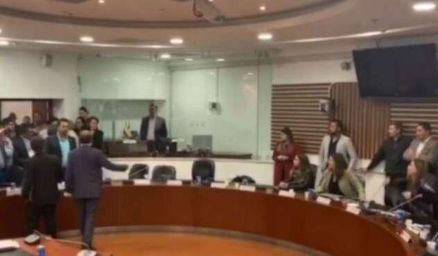 Pelea entre Paloma Valencia y Pablo Catatumbo en Comisión de Paz.