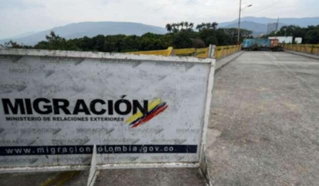 Nicolás Maduro ordenó la instalación de containers en la frontera con Colombia