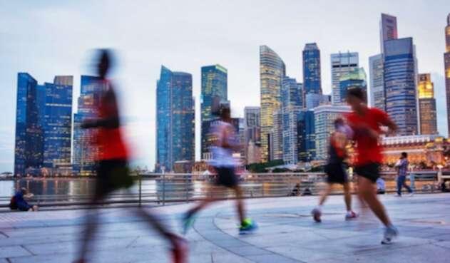 Corredores buscan los tenis adecuados para sus competencias