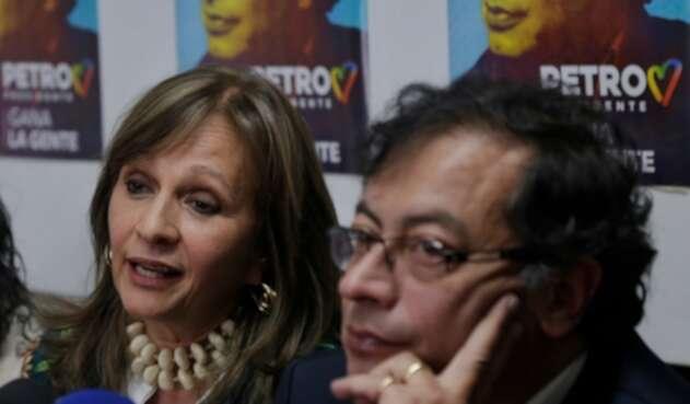 Ángela Robledo y Gustavo Petro, excandidatos a la Vicepresidencia y Presidencia de la República, respectivamente