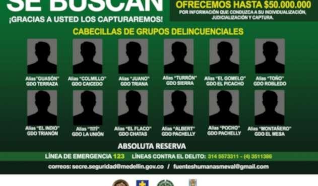 Cartel de los más buscados en Medellín.