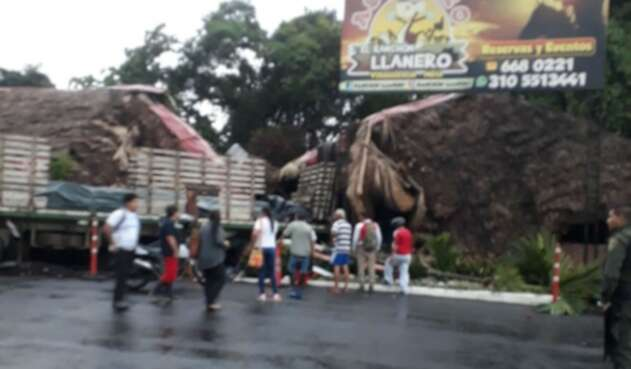 Accidente de tránsito en Villavicencio en la vía Llano Lindo