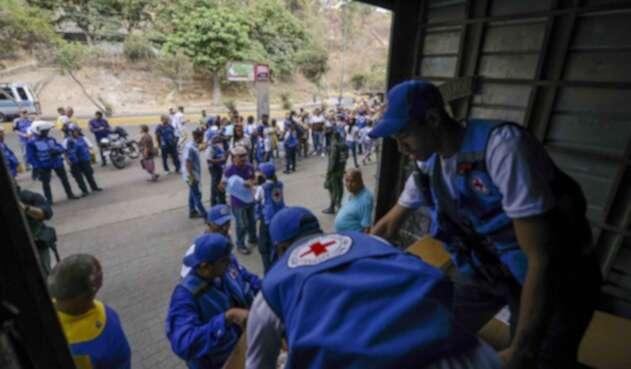 Cruz Roja, llevando ayudas humanitarias a Venezuela.
