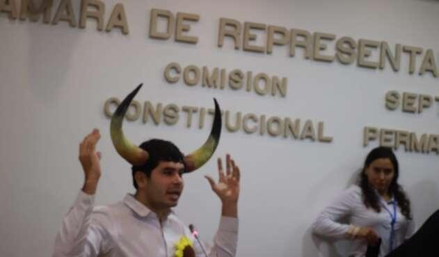 Fabian Díaz, ponente del proyecto de ley que busca la prohibición de las corridas de toros en Colombia