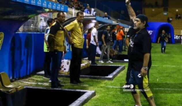Diego Armando Maradona, director técnico del club Dorados de Sinaloa.