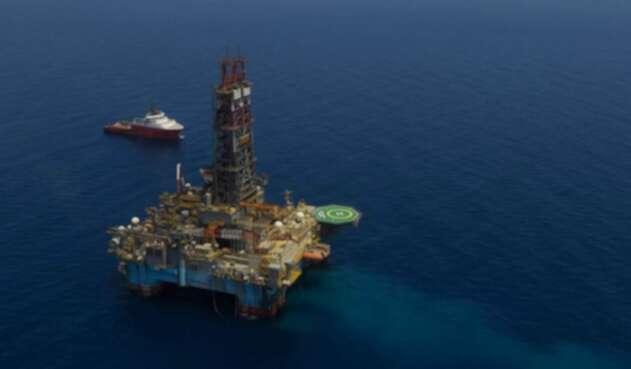 Exploración de petróleo en el mar