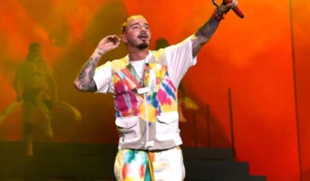 J Balvin durante su presentación en Coachella, en Indio (California), en Estados Unidos