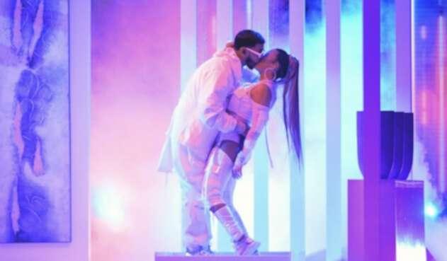 Karol G y Anuel AA en los PremiosBillboardde la Música Latina 2019