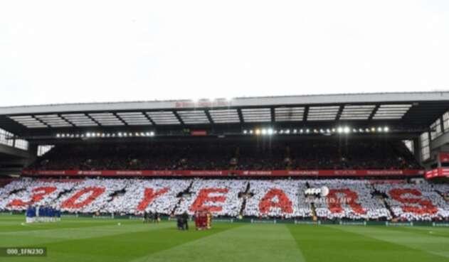 Liverpool homenajeando a las víctimas de la tragedia de Hillsborough
