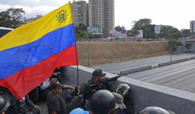 Un grupo de militares venezolanos se unió al sector liderado por Juan Guaidó.