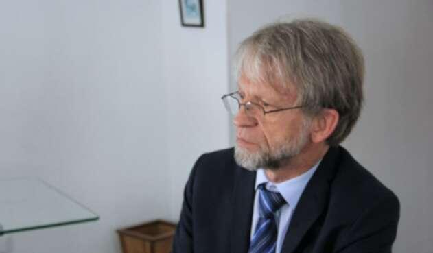 Antanas Mockus, destituido como congresista