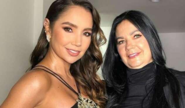 Paola Jara junto a su mamá