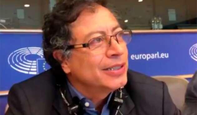 El senador Gustavo Petro en el Parlamento Europeo, en Bruselas (Bélgica)