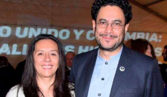 Pilar Rueda, asesora en la JEP, y su esposo, el congresista Iván Cepeda