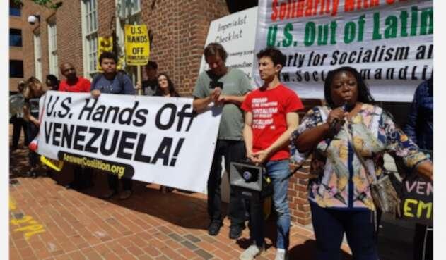 La protesta en embajada de Venezuela en EE.UU.